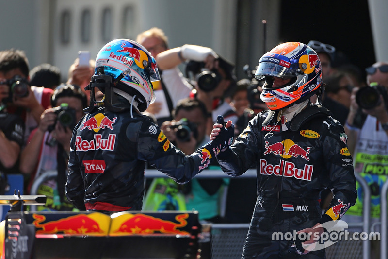 Race winner Daniel Ricciardo, Red Bull Racing and second place Max Verstappen, Red Bull Racing