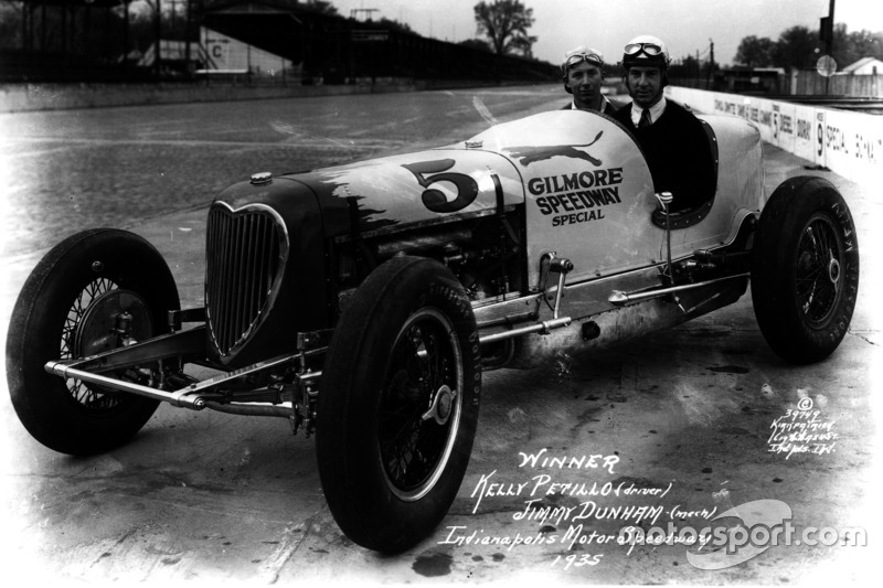 1935: Kelly Petillo