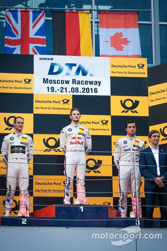Podio: il secondo classificato Tom Blomqvist, BMW Team RBM, BMW M4 DTM; il vincitore della gara Marc