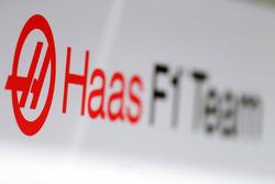 Логотип Haas F1 Team