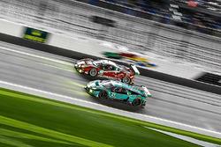 №63 Scuderia Corsa Ferrari 488 GT3: Кристина Нильсен, Алессандро Бальцан, Сэм Бёрд, Маттео Крессони;