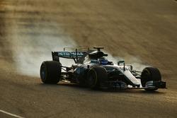 Valtteri Bottas, Mercedes AMG F1 W08 locks up under braking