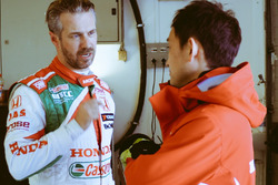 Tiago Monteiro, Castrol Honda World Touring Car Team; Ryo Michigami, Honda Racing Team JAS