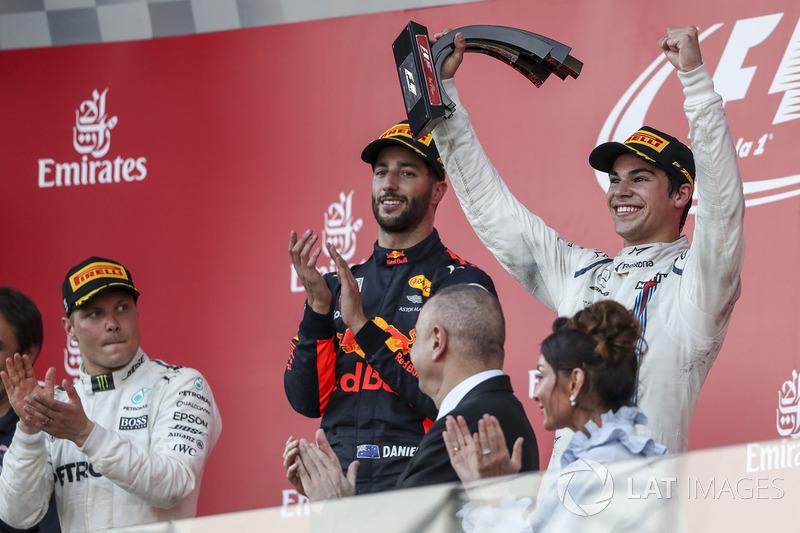 Lance Stroll, Williams celebra en el podium, Daniel Ricciardo, Red Bull Racing y Valtteri Bottas, Me