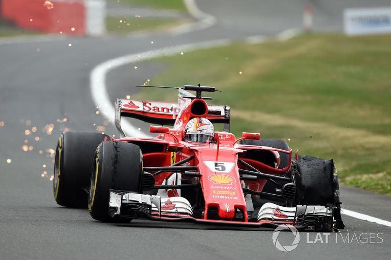 Гран Прі Великої Британії. Себастьян Феттель, Ferrari SF70H, прокол