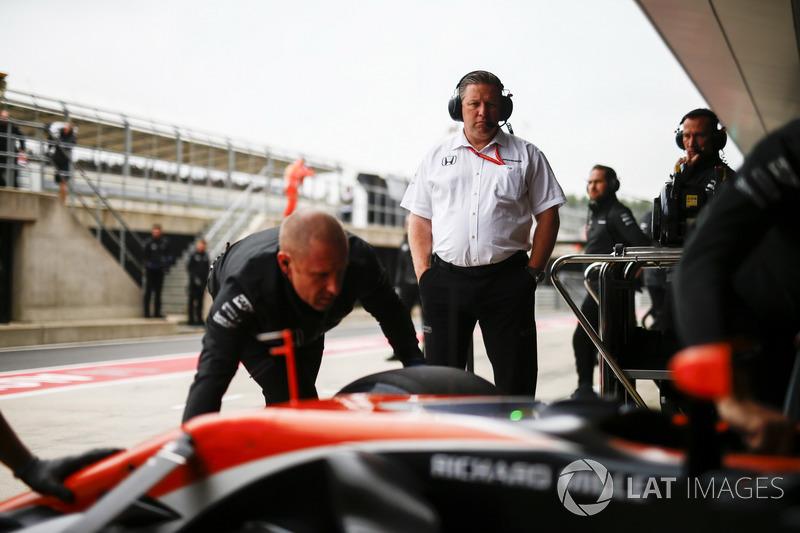 Виконавчий директор McLaren Technology Group Зак Браун, McLaren MCL32 Стоффеля Вандорна