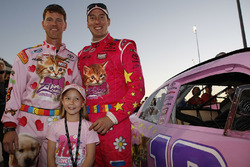 Jason Ratcliff, Kyle Busch and Lennon Wynn on the grid