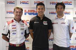 Lucio Cecchinello, Teamchef, LCR Honda Team, Takaaki Nakagami, Tetsuhiro Kuwatam, HCR-Direktor
