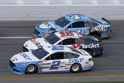 Brad Keselowski, Team Penske Ford, Danica Patrick, Stewart-Haas Racing Ford, Kevin Harvick, Stewart-Haas Racing Ford