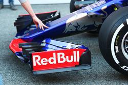 Detalle del alerón delantero del Scuderia Toro Rosso STR12