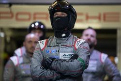 El Porsche Team reacciona por el retiro de su auto #1
