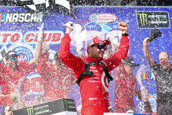 Kyle Larson, Chip Ganassi Racing Chevrolet, celebrates in Victory Lane