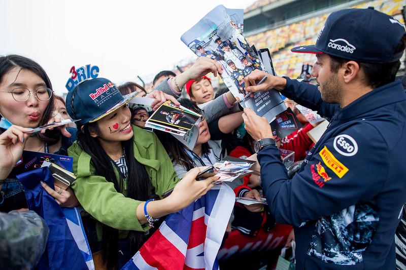 Daniel Ricciardo, Red Bull Racing con fans