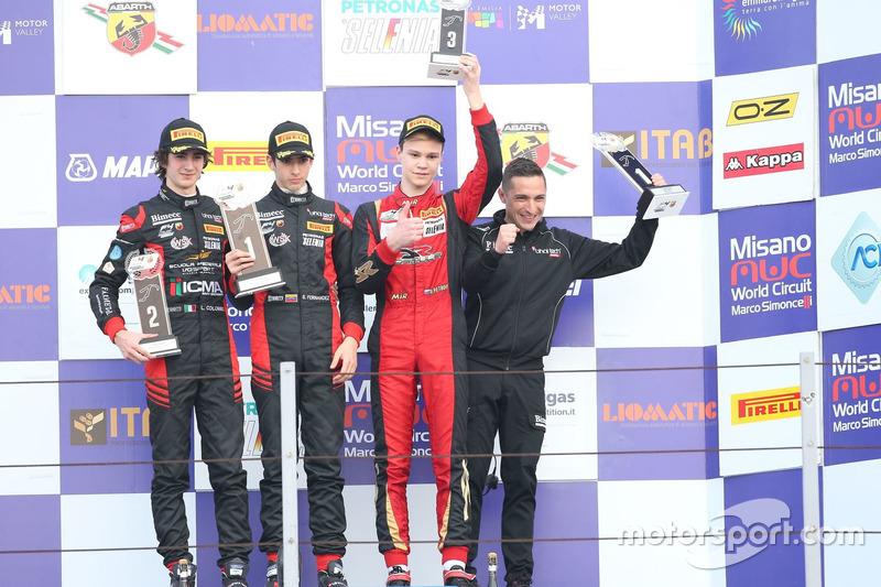 Podio Gara 3: il secondo classificato Lorenzo Colombo, Bhaitech, il vincitore Sebastian Fernandez, B