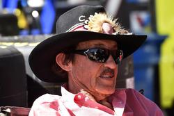 Richard Petty, Aric Almirola, Richard Petty Motorsports Ford