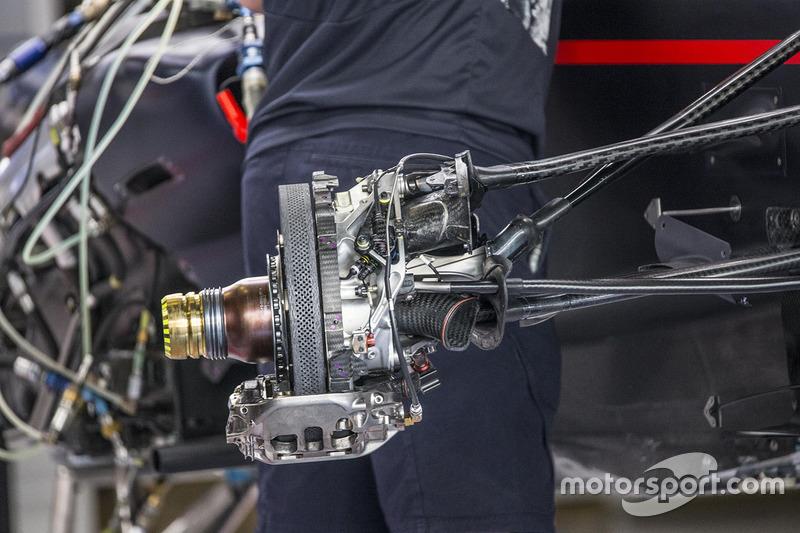 Red Bull Racing RB13 ön fren