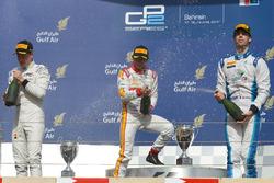 Podyum: 1. Rio Haryanto, Campos Racing, 2. Stoffel Vandoorn, ART Grand Prix, 3. Nathanael Berthon, Lazarus