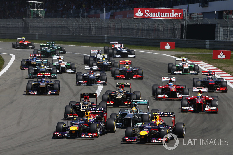 Start: Sebastian Vettel, Mark Webber, Red Bull lider