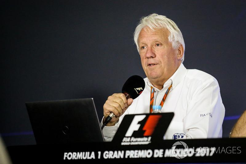 Charlie Whiting, delegado de la FIA en la Conferencia de prensa sobre el Kimi Raikkonen, de Ferrari y Max Verstappen, incidente de Red Bull Racing en el gran premio de Estados Unidos
