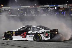 Kevin Harvick, Stewart-Haas Racing, Jimmy John's Ford Fusion celebrates