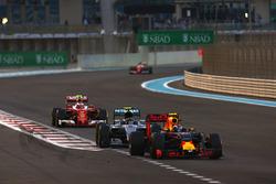 Max Verstappen, Red Bull Racing RB12, Nico Rosberg, Mercedes F1 W07 Hybrid, Kimi Raikkonen, Ferrari SF16-H, y Sebastian Vettel, Ferrari SF16-H