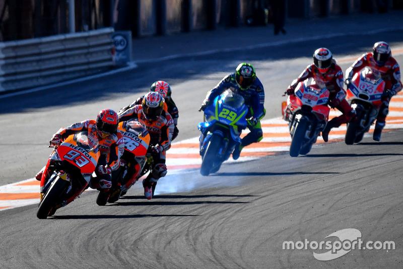 10. Marquez sukses menjadi juara dunia di Valencia