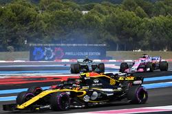Valtteri Bottas, Mercedes-AMG F1 W09 spins after a hit from Sebastian Vettel, Ferrari SF71H