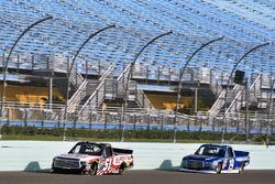 Myatt Snider, Kyle Busch Motorsports Toyota y Austin Cindric, Brad Keselowski Racing Ford
