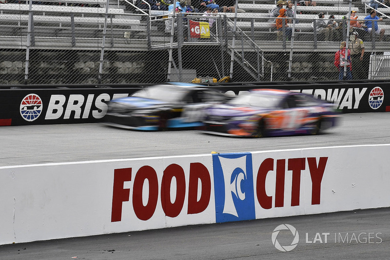 Denny Hamlin, Joe Gibbs Racing, Toyota Camry FedEx Freight and Chad Finchum, Motorsports Business Management, Toyota Camry, Concrete North / Smithbuilt Homes