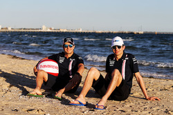 Esteban Ocon, Force India, Sergio Perez, Force India à la plage