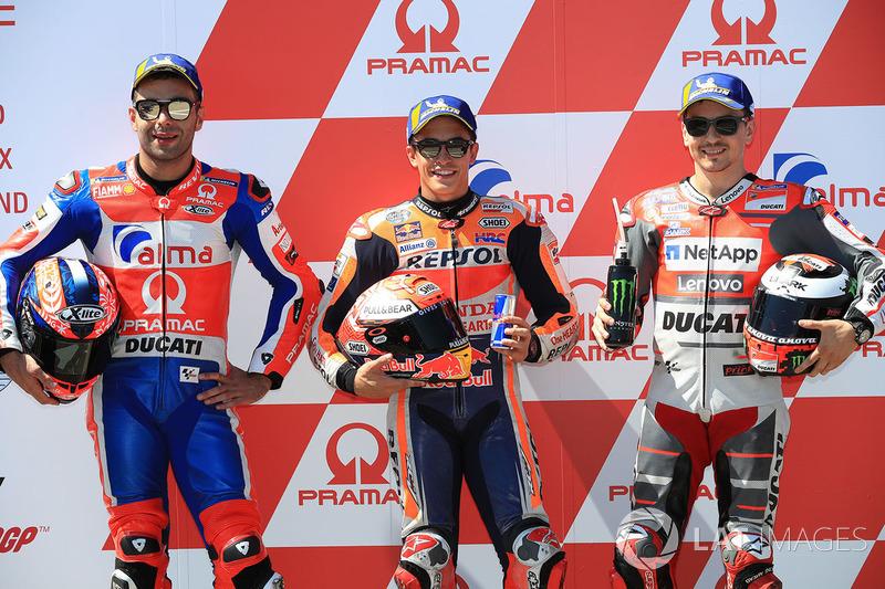 Володар поул-позиції Марк Маркес, Repsol Honda Team, друге місце Даніло Петруччі, Pramac Racing, третє місце Хорхе Лоренсо, Ducati Team