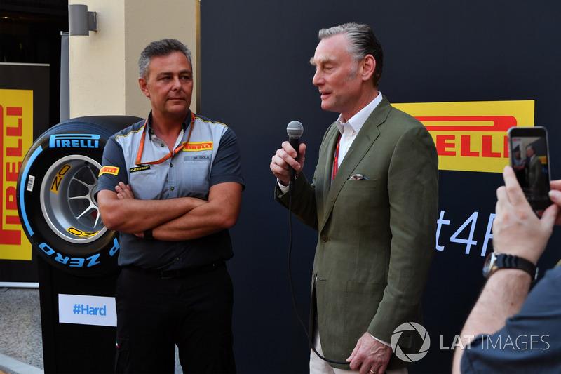 Sean Bratches, directeur commercial de la Formule 1, et Mario Isola, directeur sportif de Pirelli, au lancement Pirelli 2018