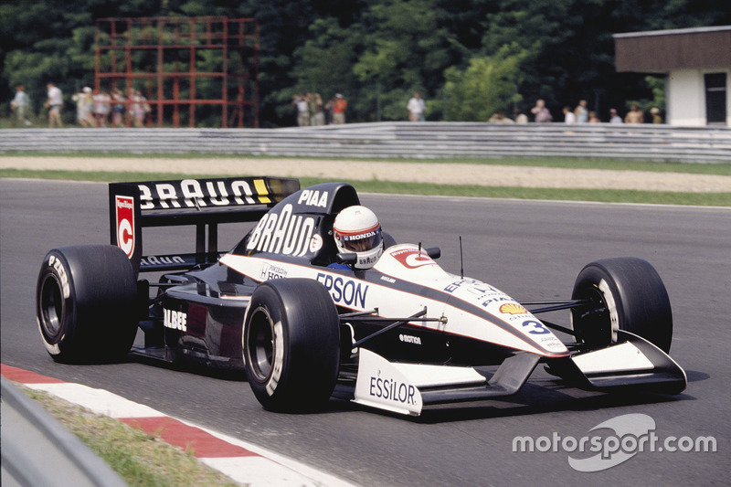 "<img src=""https://cdn-7.motorsport.com/static/img/cfp/0/0/0/200/227/s3/united_kingdom-2.jpg"" alt="""" width=""20"" height=""12"" />Tyrrell (1991): 1 подиум"