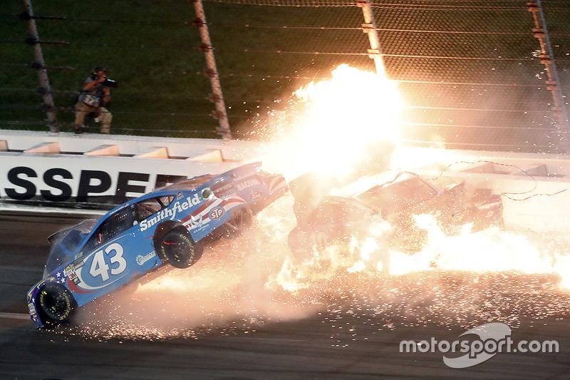2. Aric Almirola, Richard Petty Motorsports Ford, Danica Patrick, Stewart-Haas Racing Ford, Joey Logano, Team Penske Ford in a huge crash