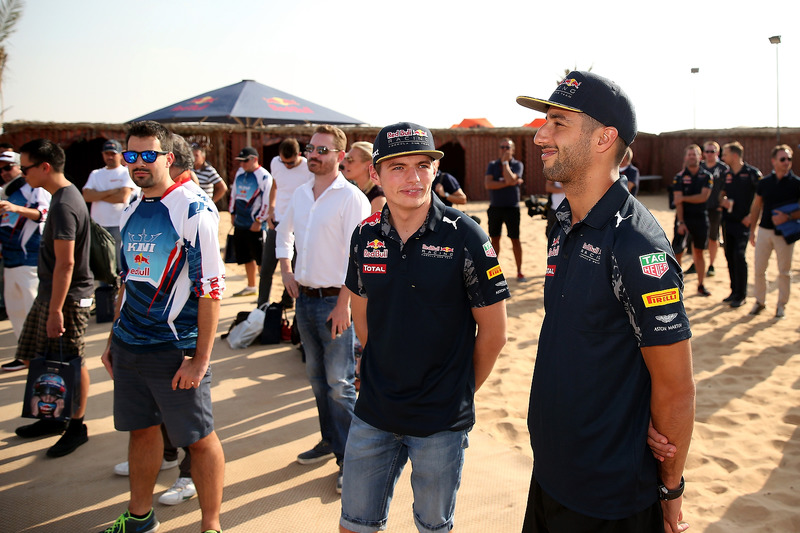 Max Verstappen, Red Bull Racing; Daniel Ricciardo, Red Bull Racing