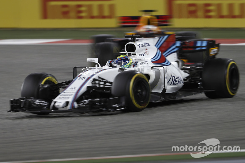 Felipe Massa, Williams FW40, leads Daniel Ricciardo, Red Bull Racing RB13