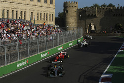 Льюис Хэмилтон, Mercedes AMG F1 W08, Себастьян Феттель, Ferrari SF70H, Фелипе Масса, Williams FW40