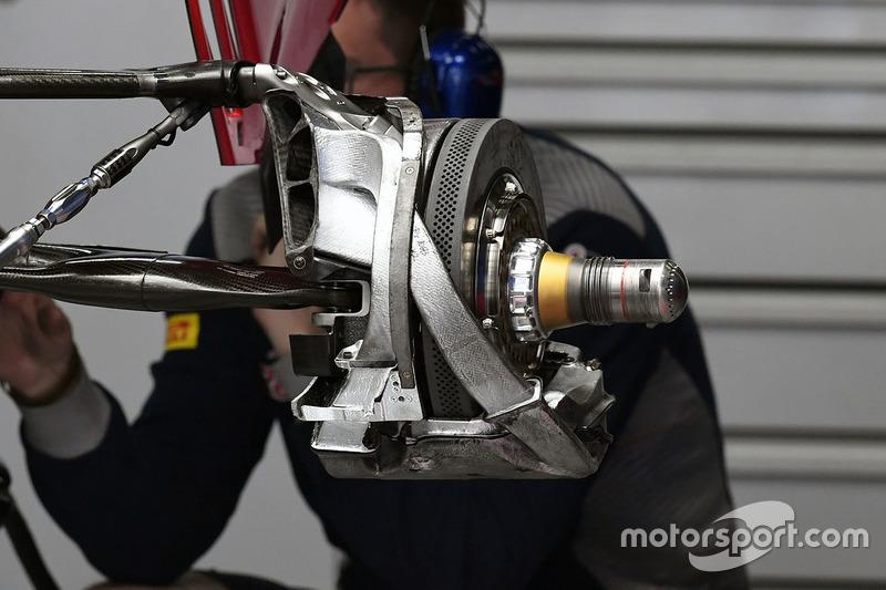 Scuderia Toro Rosso STR12, Hinterrad, Detail