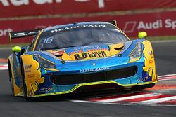 #39 Kessel Racing Ferrari 488 GT3: Piti Bhirombhakdi, Carlo Van Dam