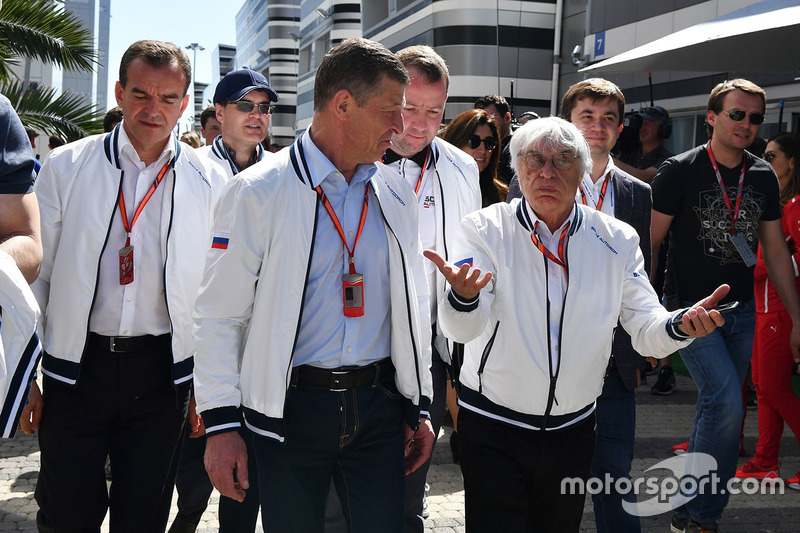 Veniamin Kondrytyev, Governor of Krasnodar Region, Dmitry Kozak, Deputy Prime Minister of the Russian Federation and Bernie Ecclestone (GBR)
