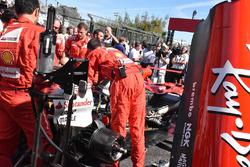 La voiture de Sebastian Vettel, Ferrari SF70H sur la grille de départ