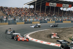 Niki Lauda, BRM P160E, goes off, Chris Amon, Tecno PA123B, Emerson Fittipaldi, Lotus 72E Ford, Mike Hailwood, Surtees TS14A Ford, and David Purley, March 731 Ford