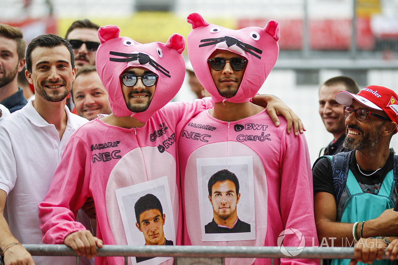 Sahara Force India fans dressed as Pink Panther