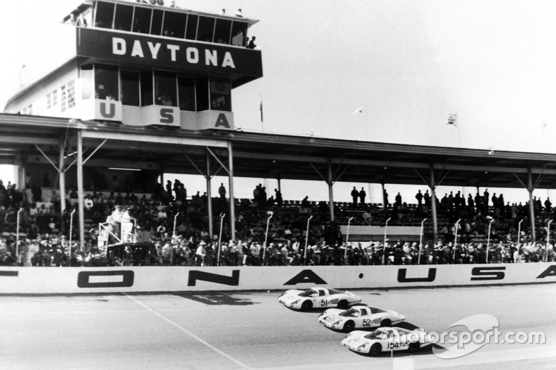 1968: Porsche finis 1-2-3
