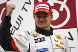 Podium: second place Heikki Kovalainen, Renault