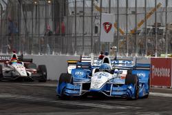 Simon Pagenaud, Team Penske Chevrolet leads Marco Andretti, Andretti Autosport Honda and Sébastien Bourdais, Dale Coyne Racing Honda