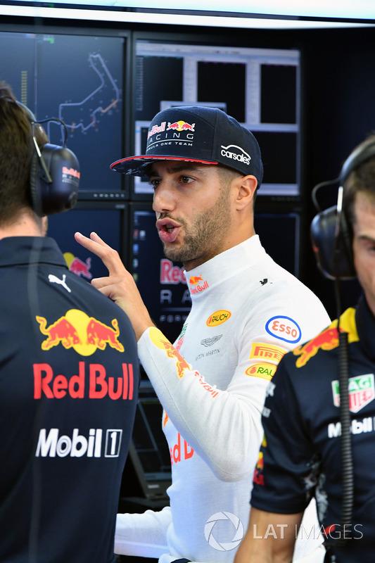 Daniel Ricciardo, Red Bull Racing Max Verstappen, Red Bull Racing RB13