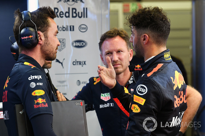 Christian Horner, Red Bull Racing Team Principal and Daniel Ricciardo, Red Bull Racing