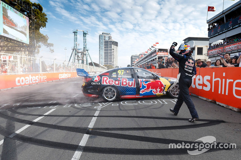 3. Ganador de la carrera Shane van Gisbergen, Triple Eight Race Engineering Holden