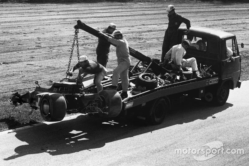 L'épave de la voiture de Jochen Rindt après son accident mortel dans la Parabolique